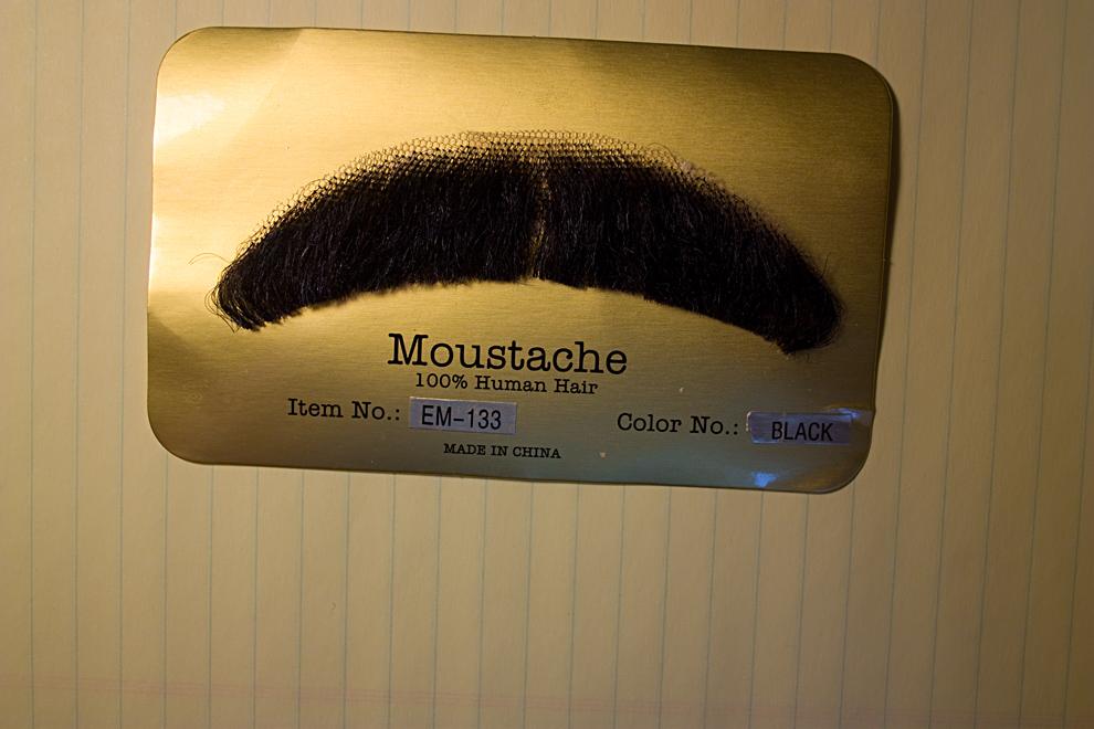 0122-moustache