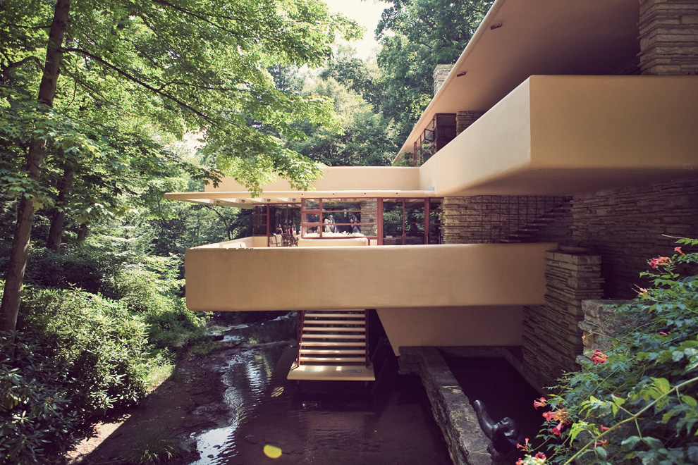 Falling Water House Pictures
