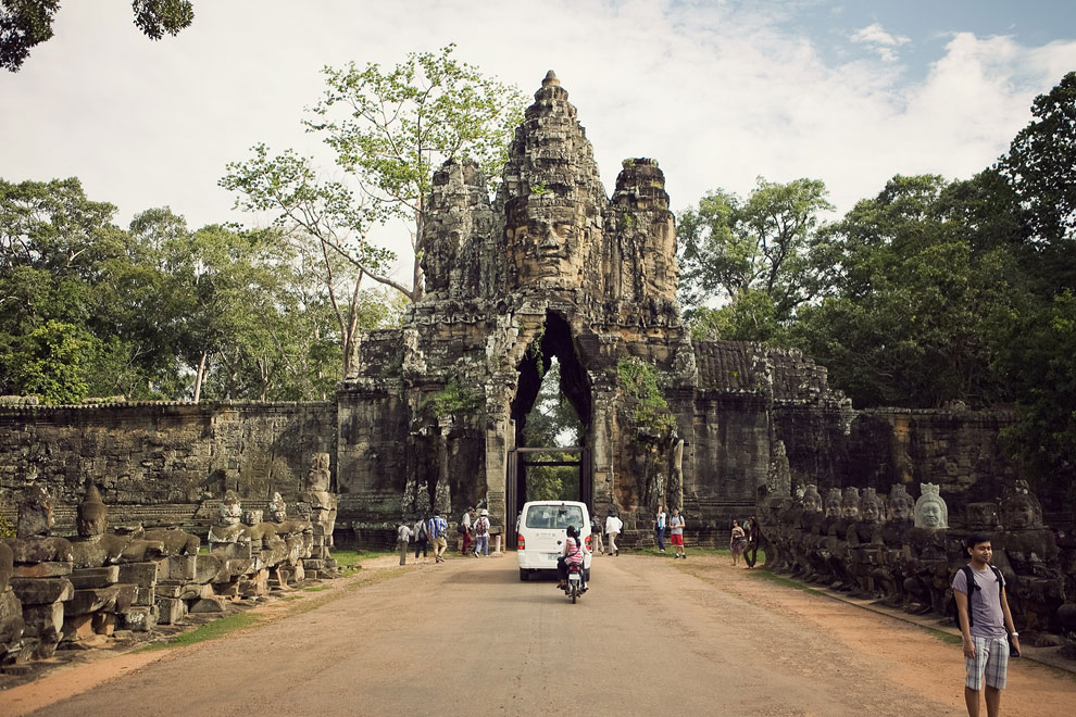 Download this Angkor Thom picture