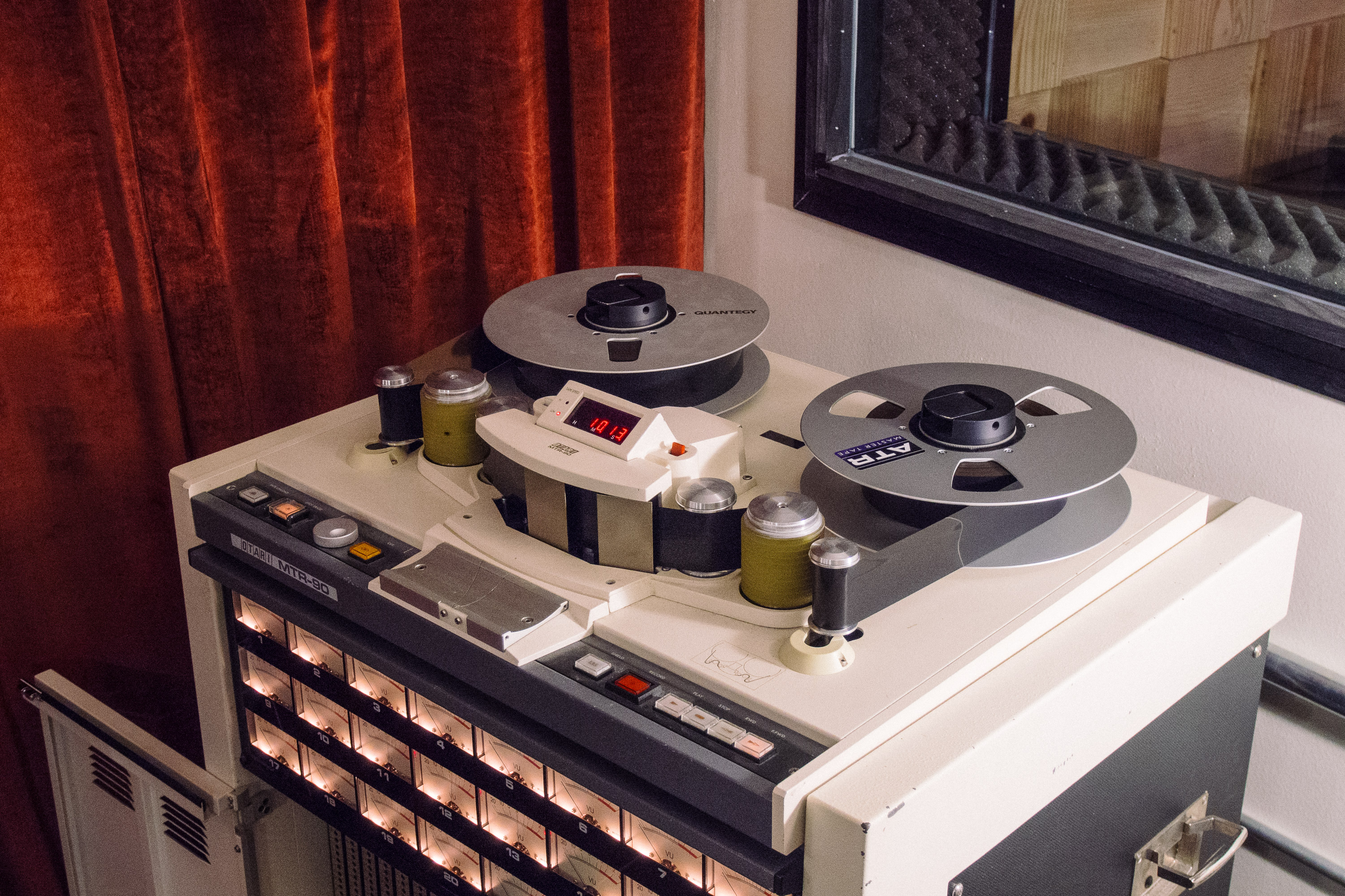 2 inch tape machine
