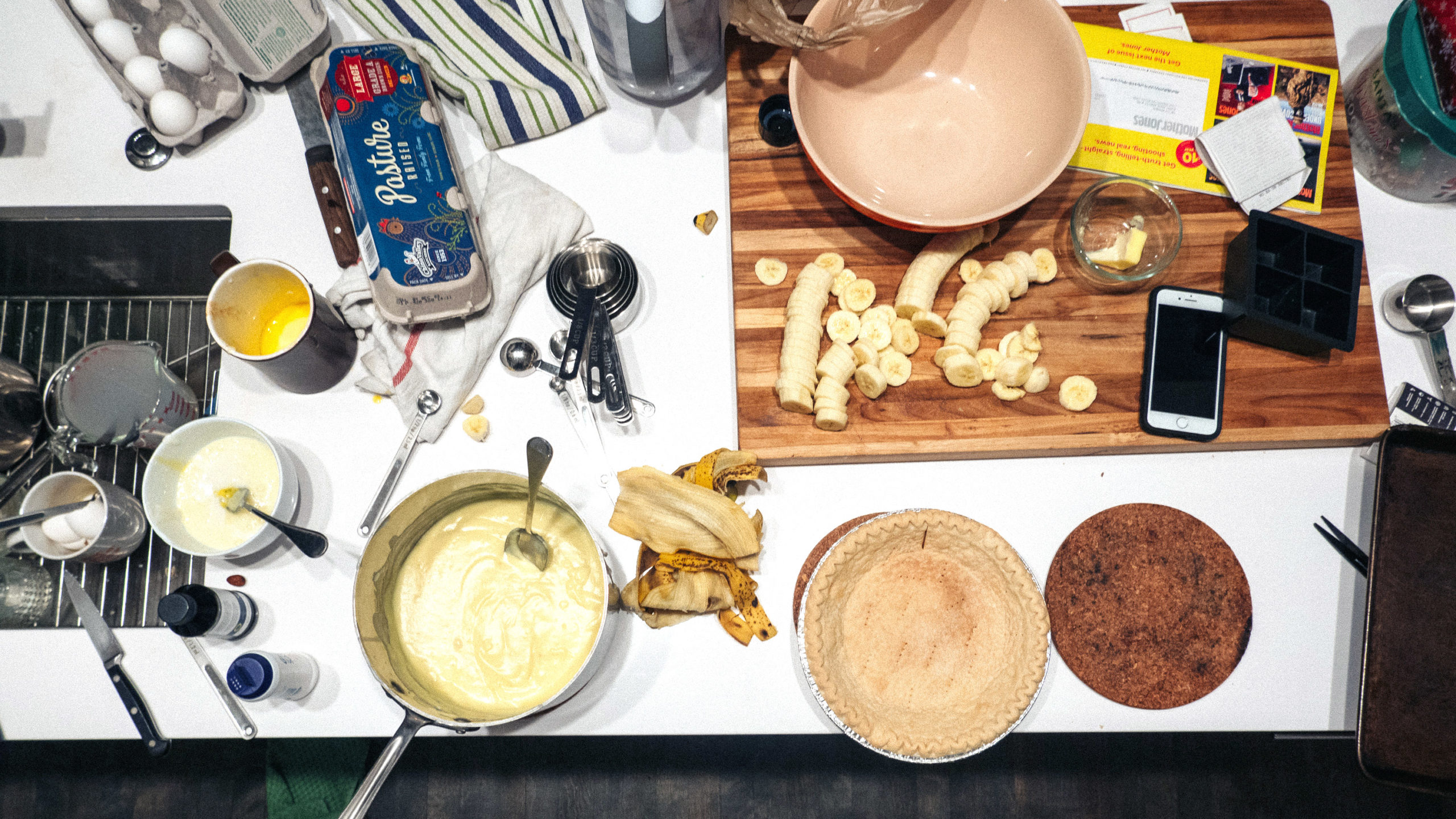 Making banana cream pie messy kitchen