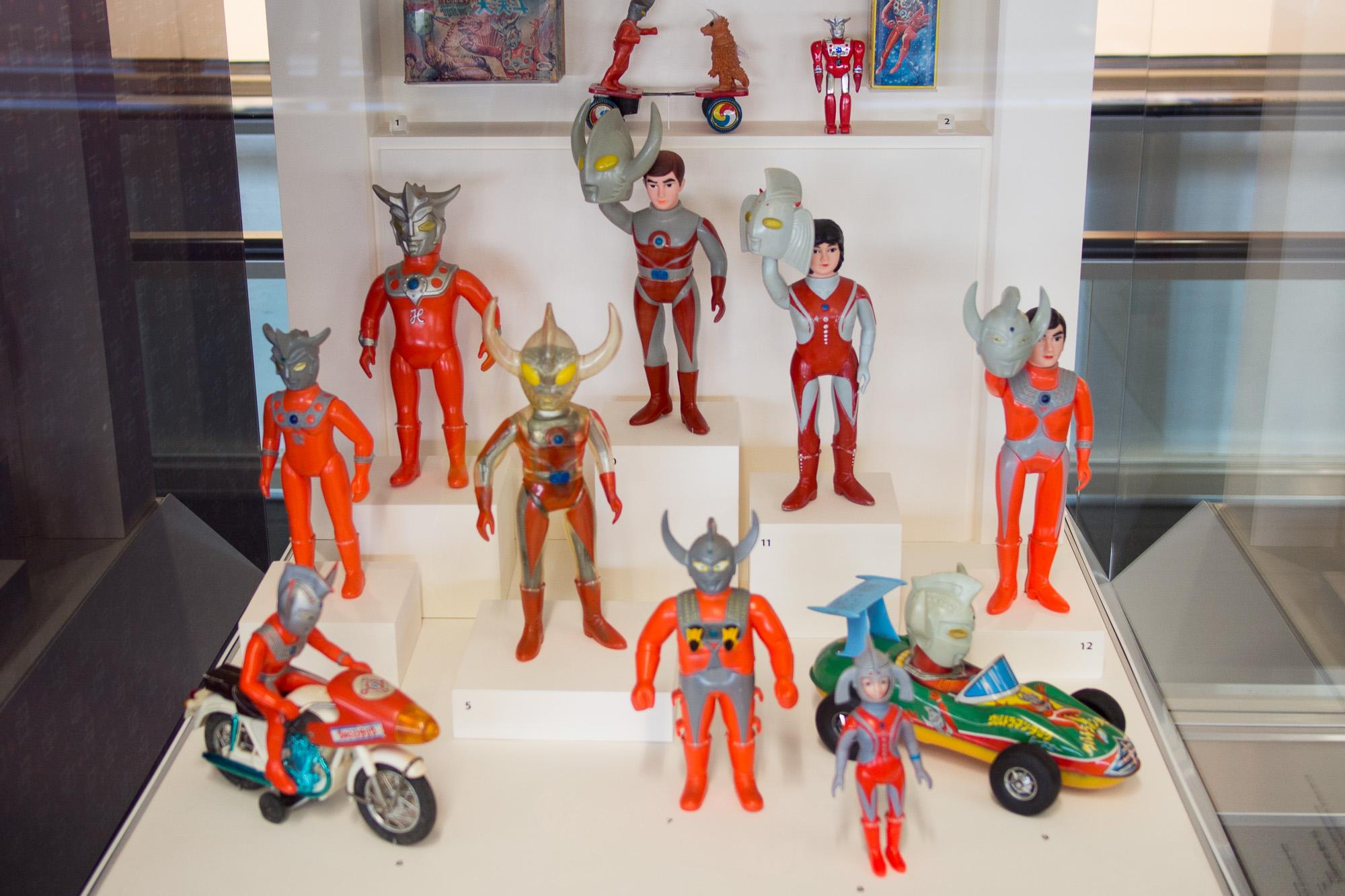 Ultramen toys