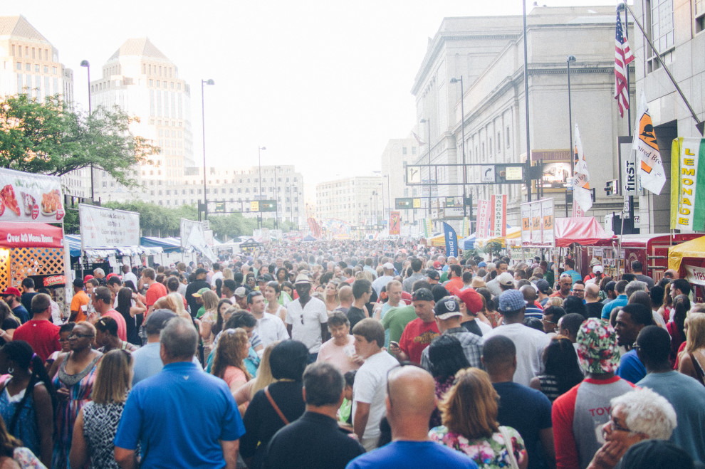 0525-more-crowd