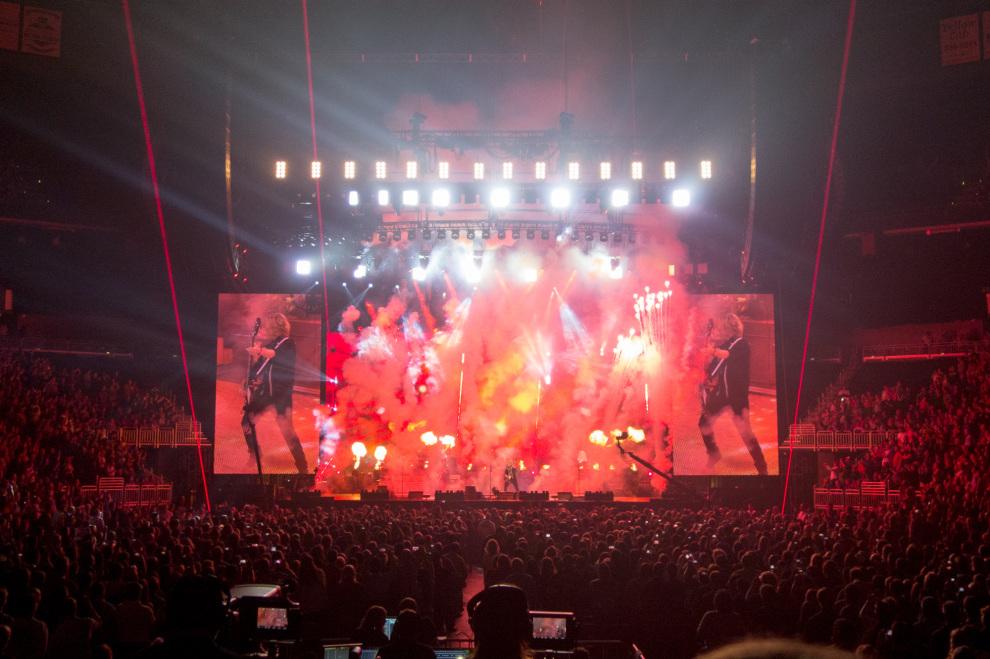 Paul McCartney Louisville Live and Let Die
