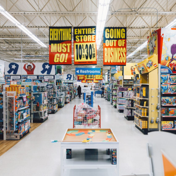 Going out of business Toys R Us