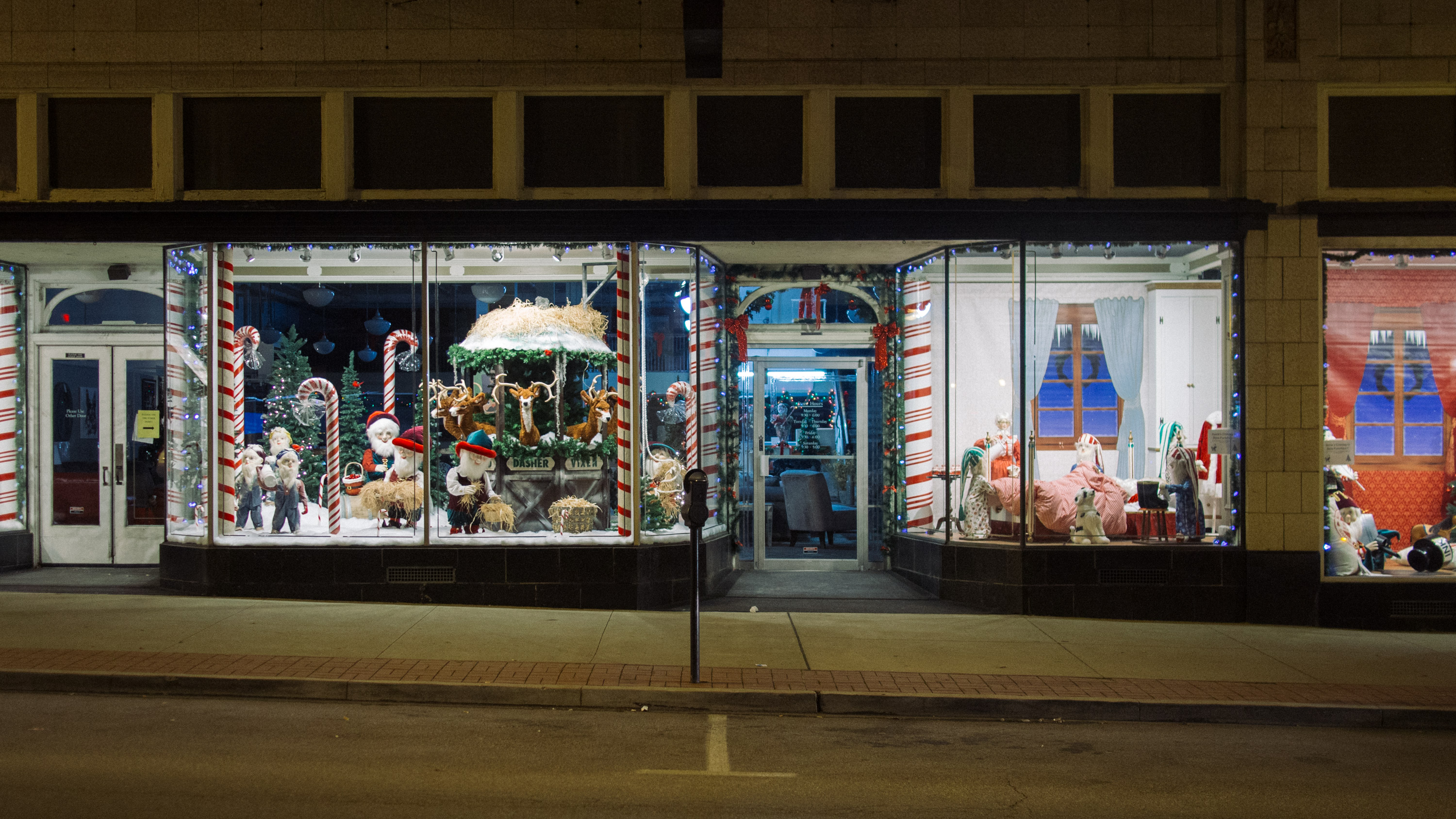 Sims Furniture Holiday Windows
