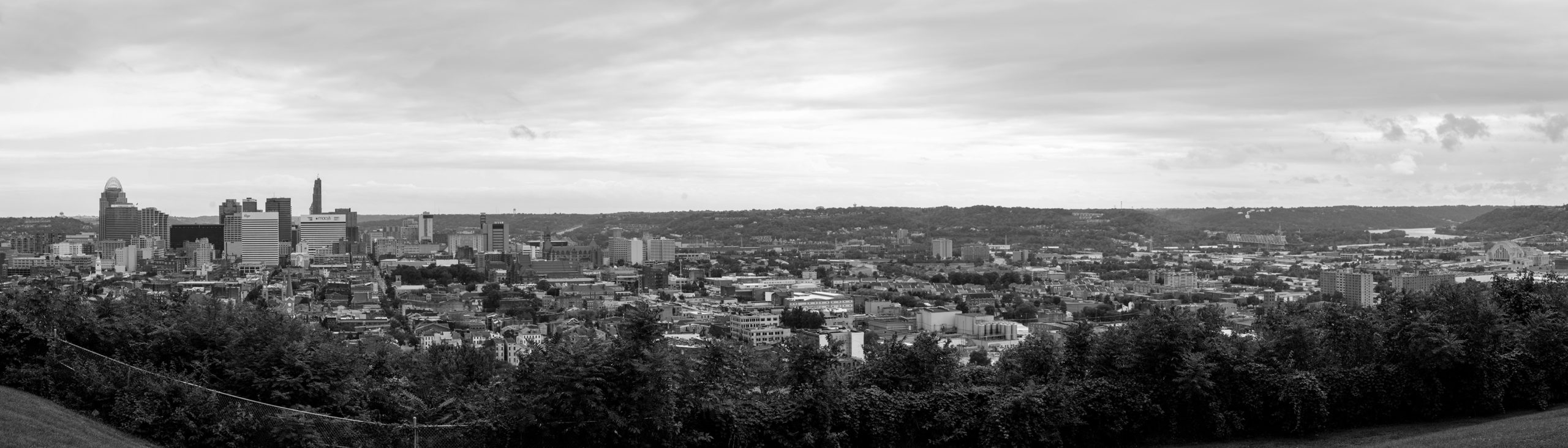 Bellevue Hill view of CIncinnati panorama