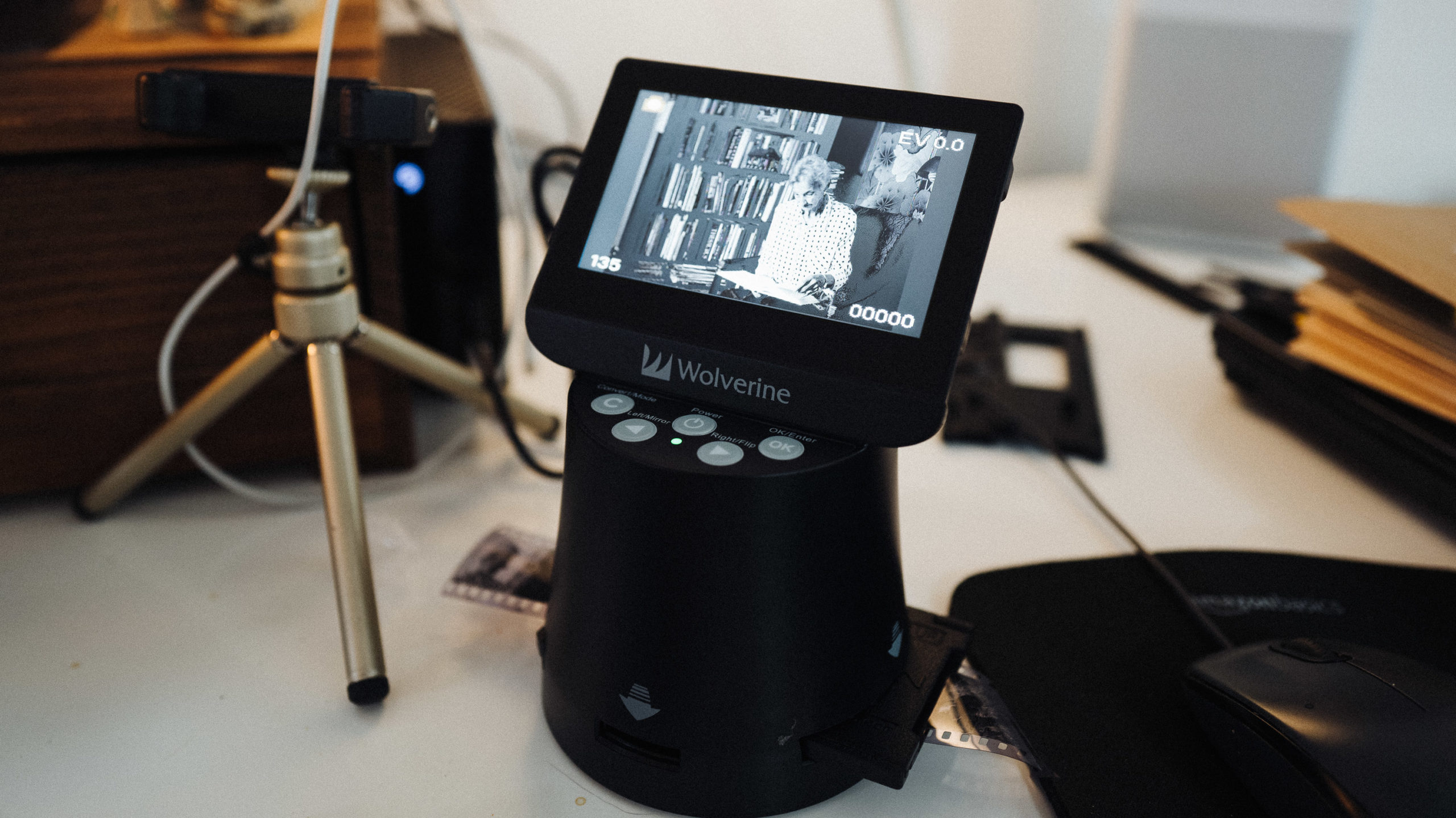 A scanner that converts negatives to digital
