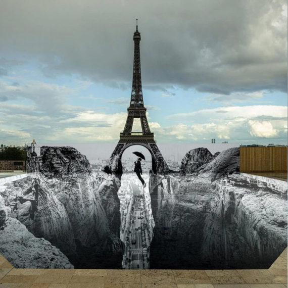 Optical illusion using the Eiffel Tower
