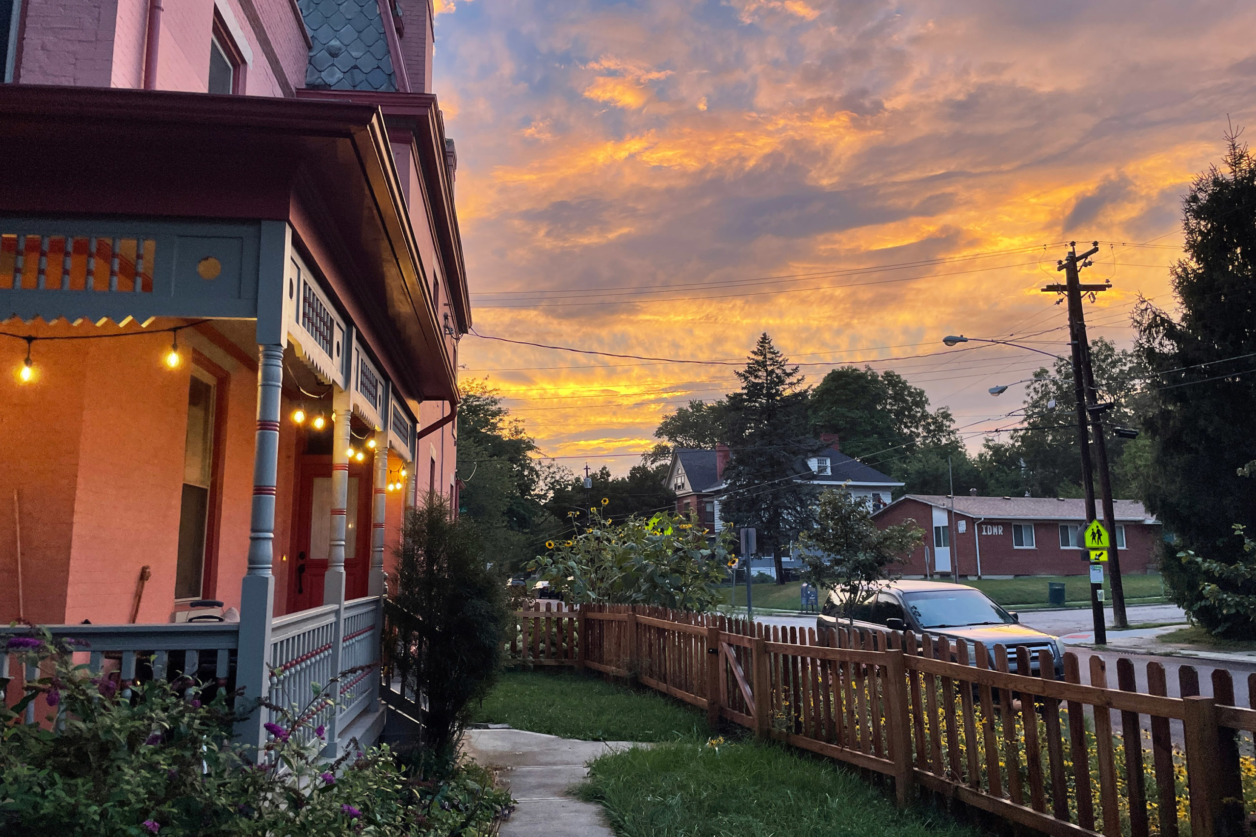 A brilliant sunset in a Cincinnati neighborhood